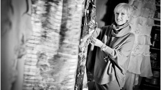 """I volti di Napoli, Daniela Danesi: """"Seguo ogni cliente e scelgo io i tessuti così la mia moda si veste di qualita"""""""